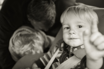 travel photo - child in car