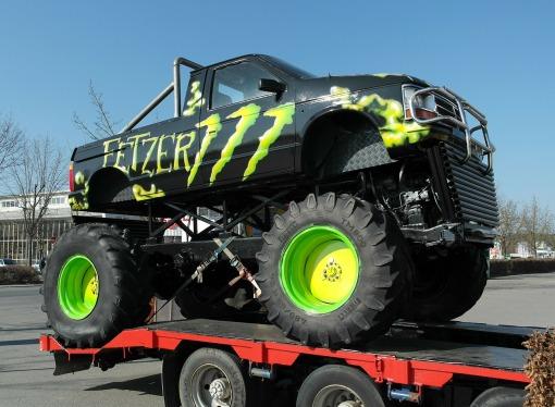truck-284000_1280